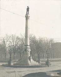 Confederate Monument [sculpture] / (photographed by Detroit Publishing Company)