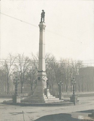 Confederate Monument [sculpture] / (photographed by Detroit Publishing Company)