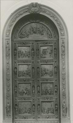 Columbus Door [sculpture] / (photographer unknown)