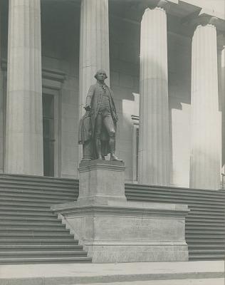 George Washington [sculpture] / (photographer unknown)