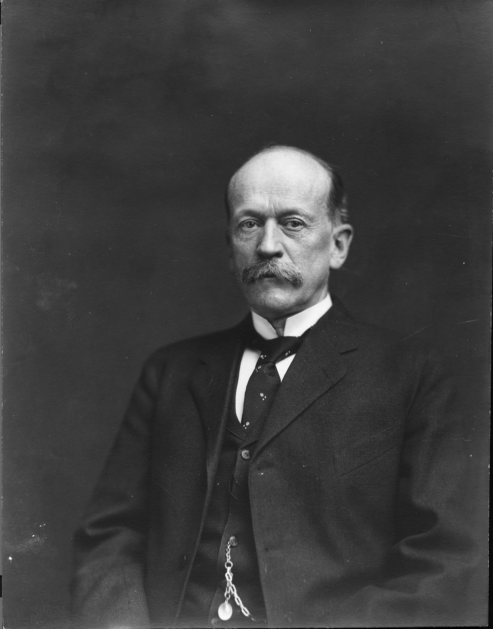 Secretary Charles D. Walcott, by Unknown, c. 1903, Smithsonian Archives - History Div, 2002-10627.