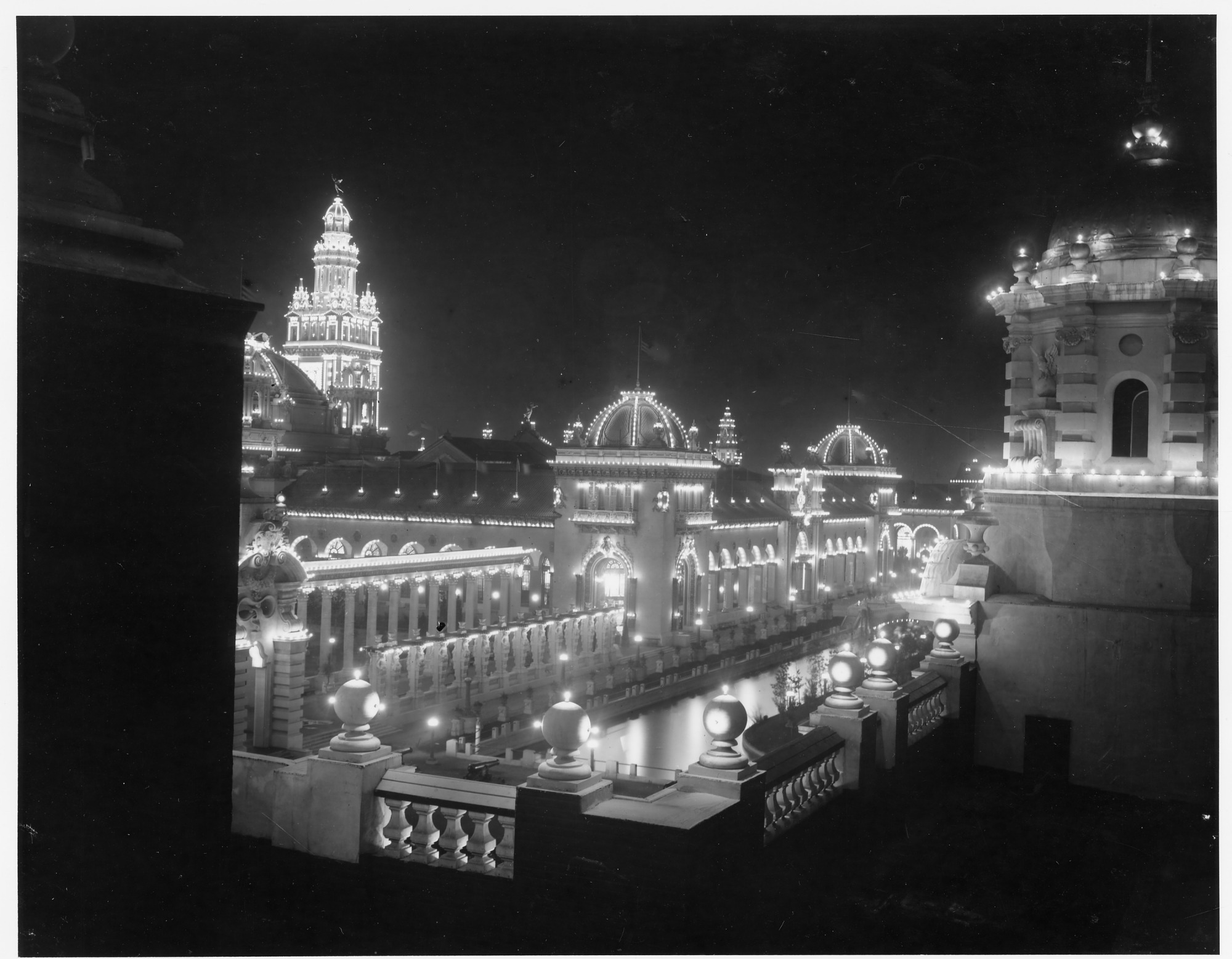 Pan-American Exposition, Buildings at Night