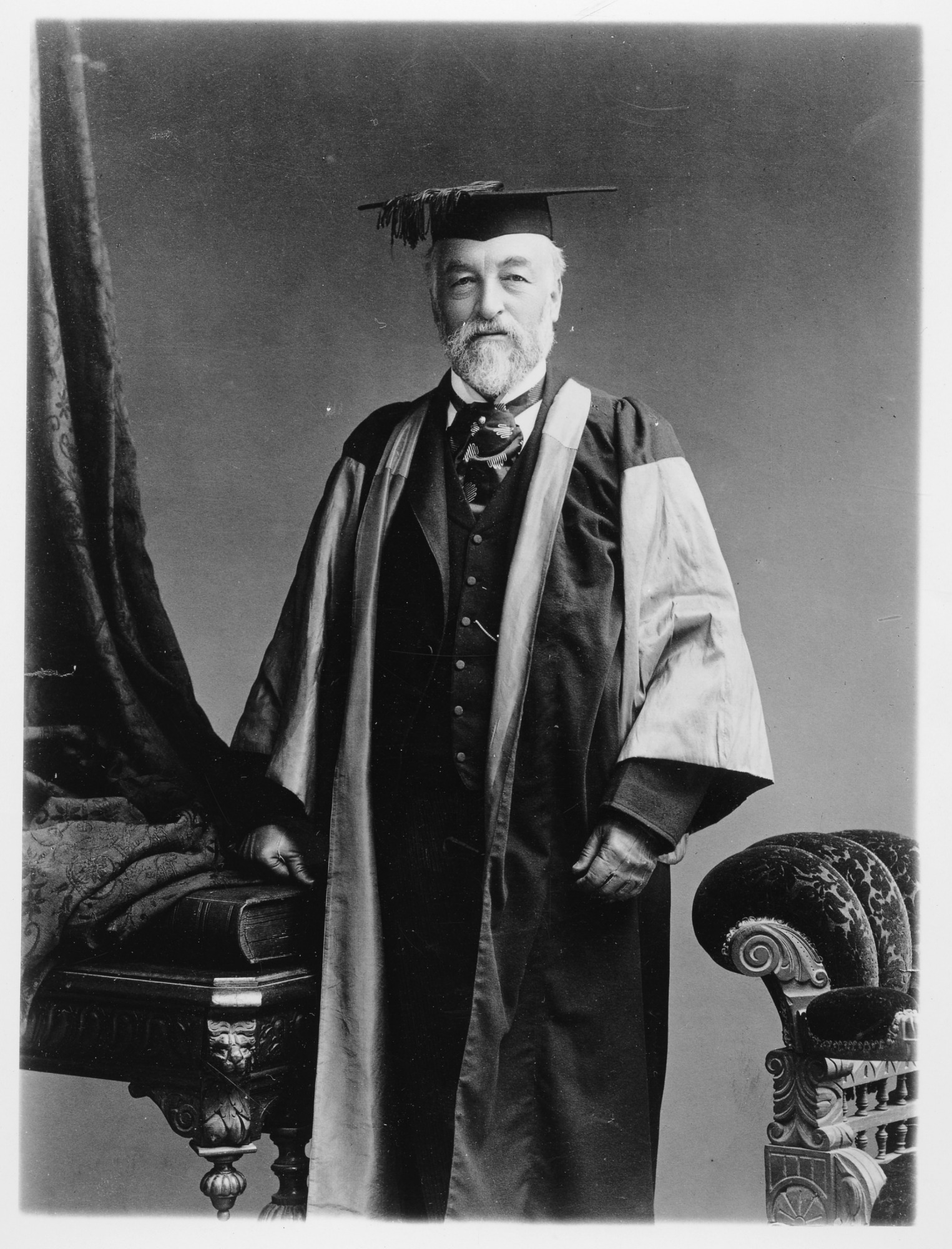 Portrait of Samuel P. Langley, by Unknown, c. 1900, Smithsonian Archives - History Div, 2002-12202.