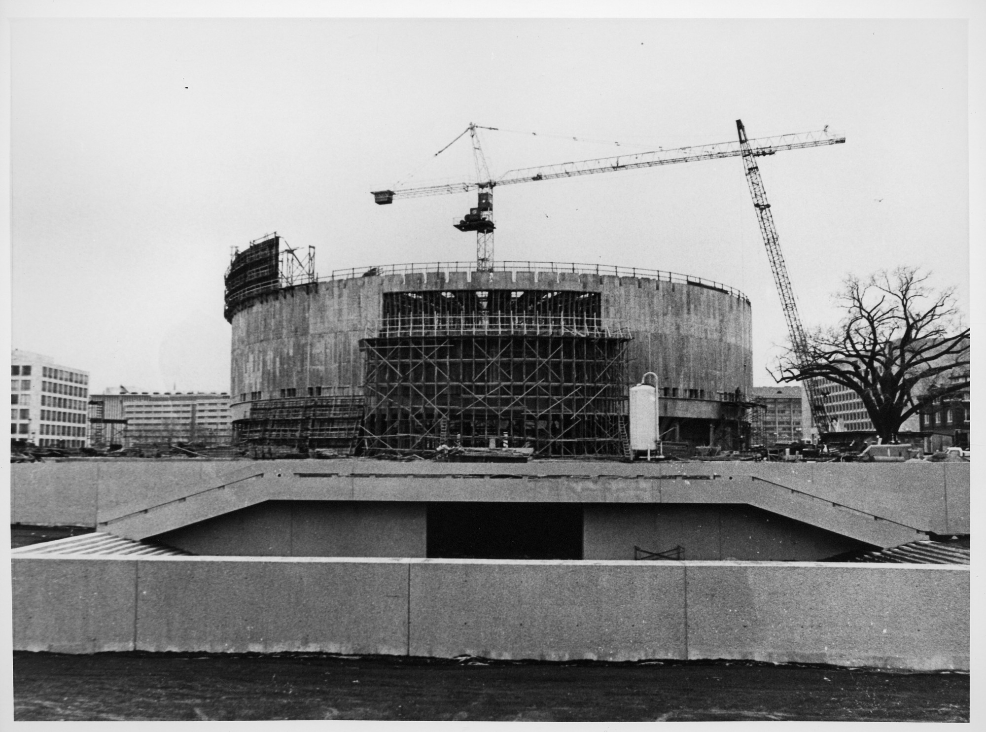 Hirshhorn Museum Construction, by Unknown, 1972, Smithsonian Archives - History Div, 2002-12205.