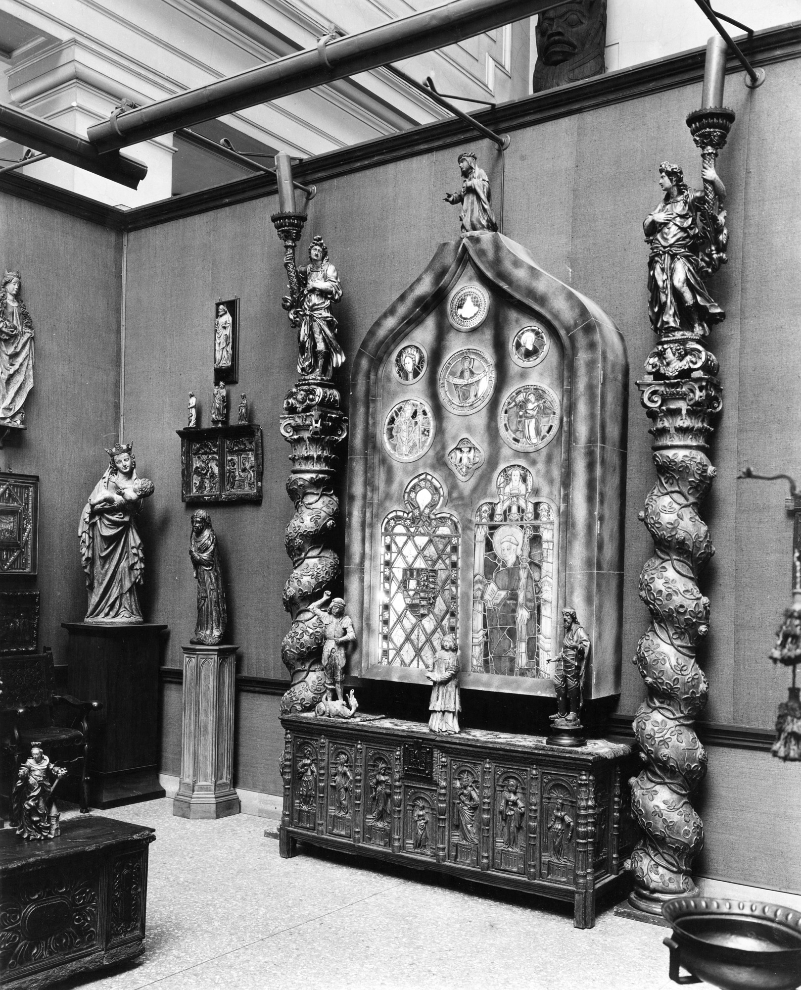 Gothic Room, Gellatly Collection, by Unknown, 1933, Smithsonian Archives - History Div, 2002-3226.