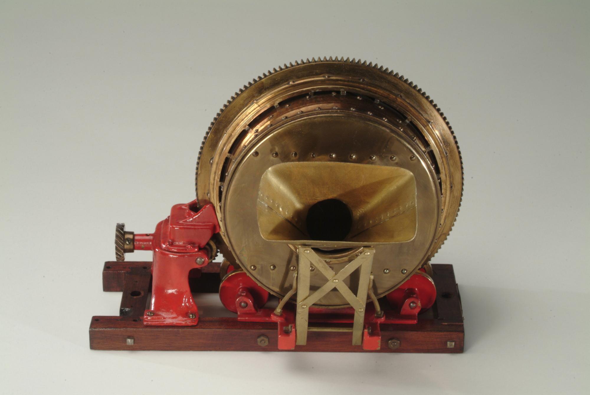 Concrete mixer model, about 1910