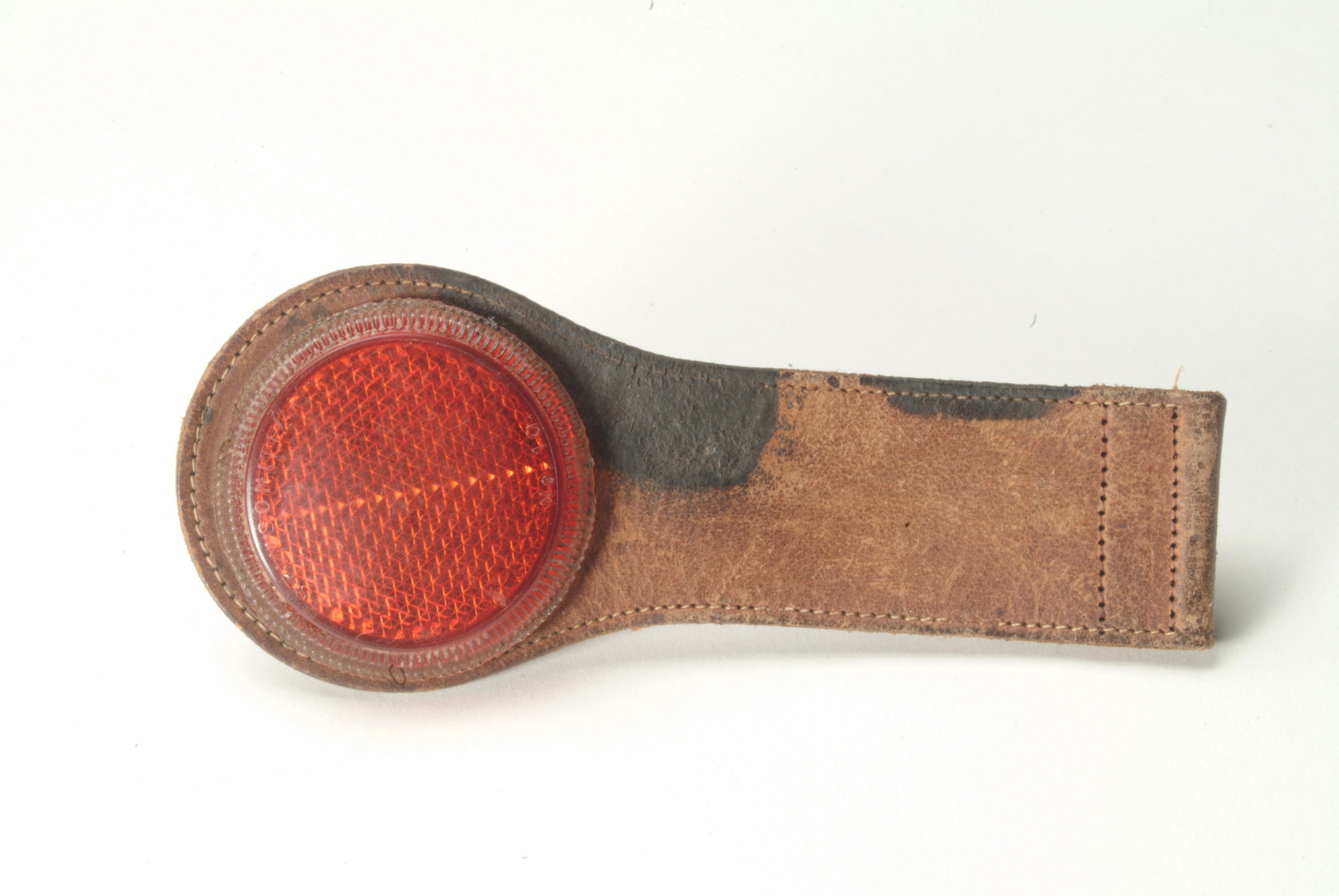 Safety reflector, 1930s