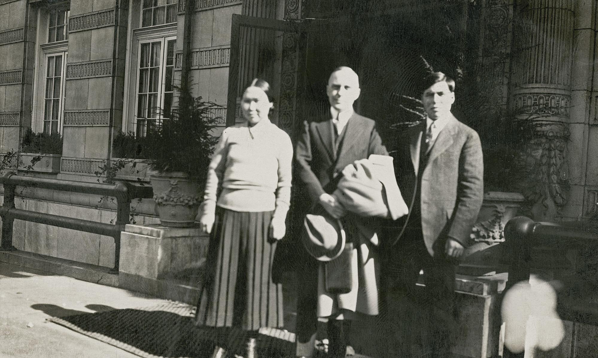 Danish Legation Secretary with Armarulunguak and Miteq