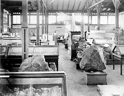 Philadelphia Centennial Mineralogy Exhibits