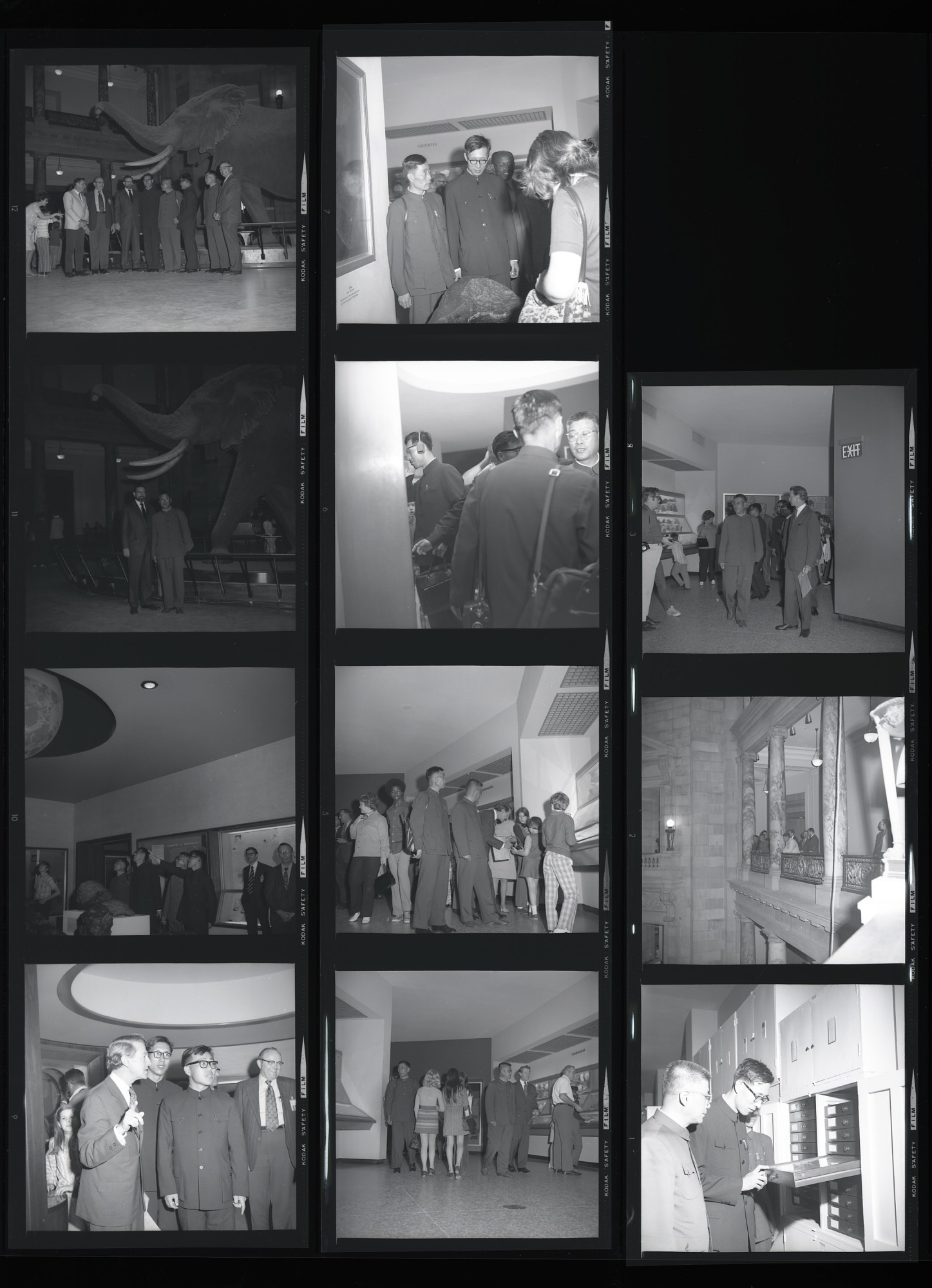 Chinese Zoologists Visit NMNH, 1972, Smithsonian Institution Archives, SIA Acc. 11-009 [72-4676].