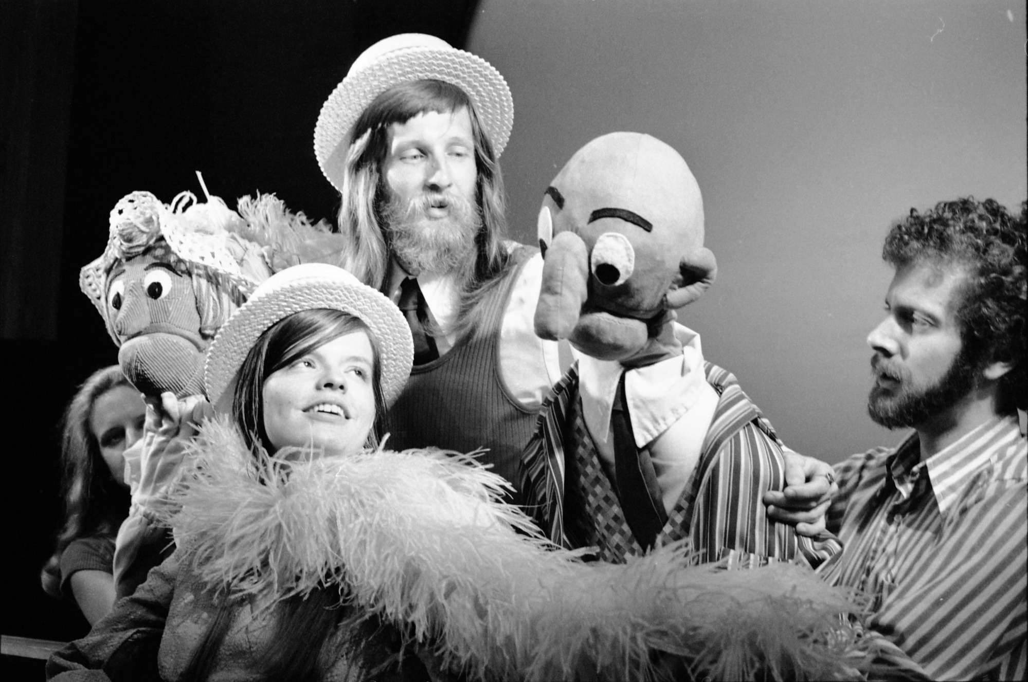 Puppet Theater, 1972, Smithsonian Institution Archives, SIA Acc. 11-009 [72-8376-21].
