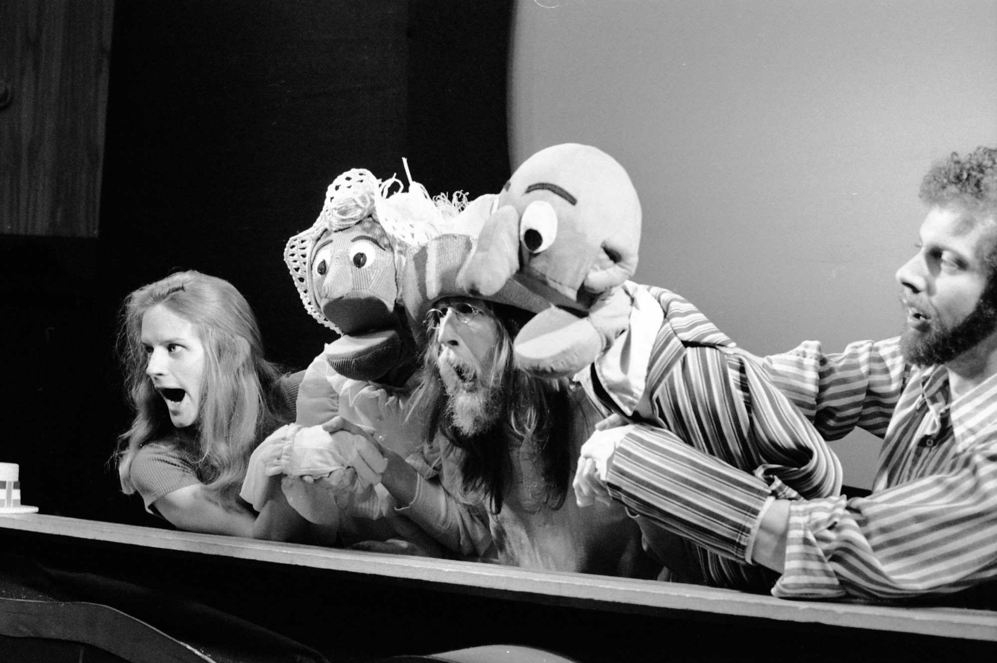 Puppet Theater, 1972, Smithsonian Institution Archives, SIA Acc. 11-009 [72-8376-34].