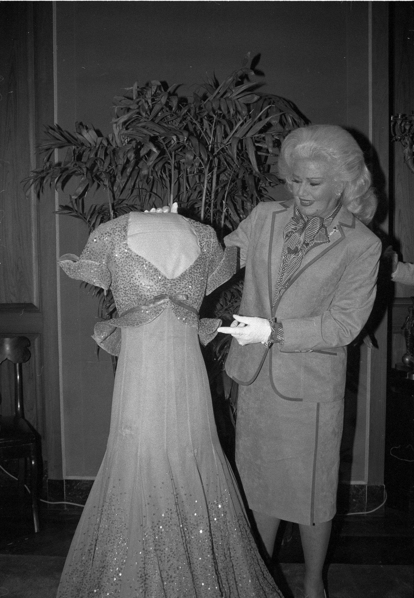 Ginger Rogers at NMAH, by Tinsley, Jeff, 1984, Smithsonian Archives - History Div, 84-5647-21.
