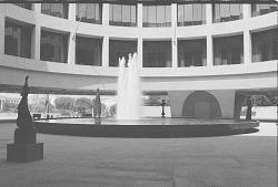 Hirshhorn Museum Courtyard