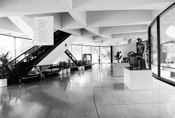 Hirshhorn Museum, Entrance