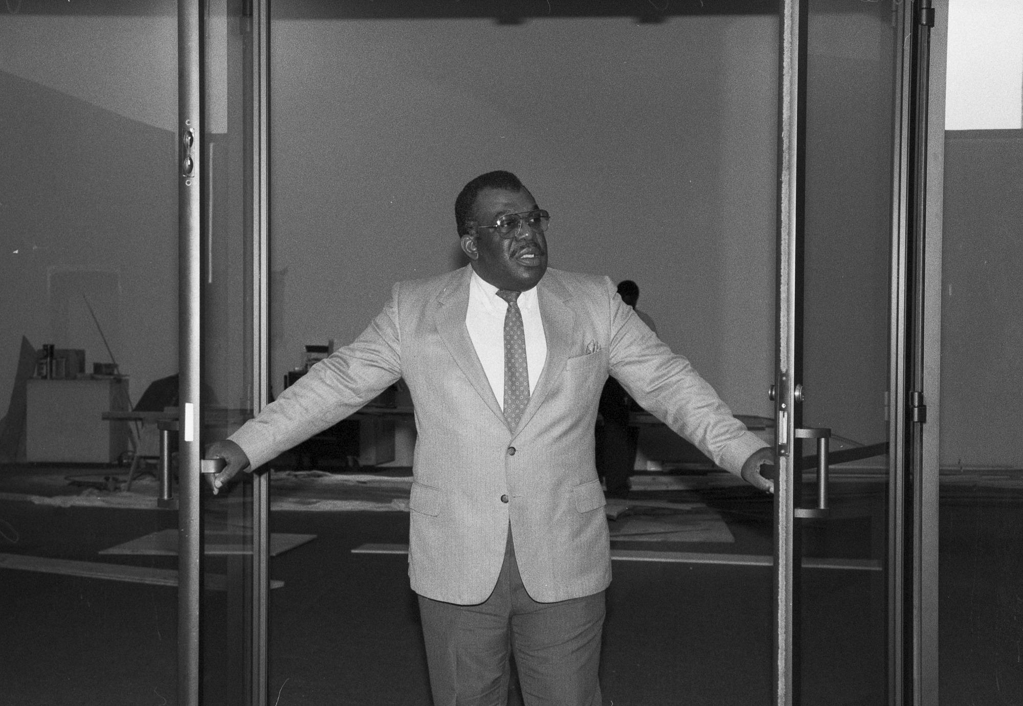 John R. Kinard, Director of Anacostia Museum, Dies