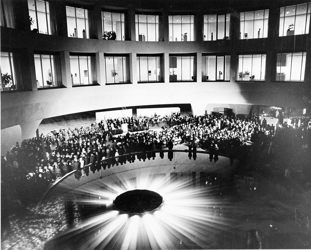 Oct 4 Hirshhorn opens