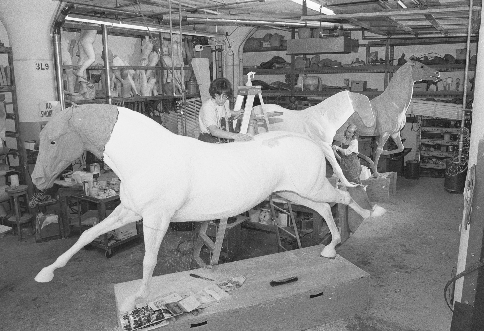 Mail Coach Horses Materialize