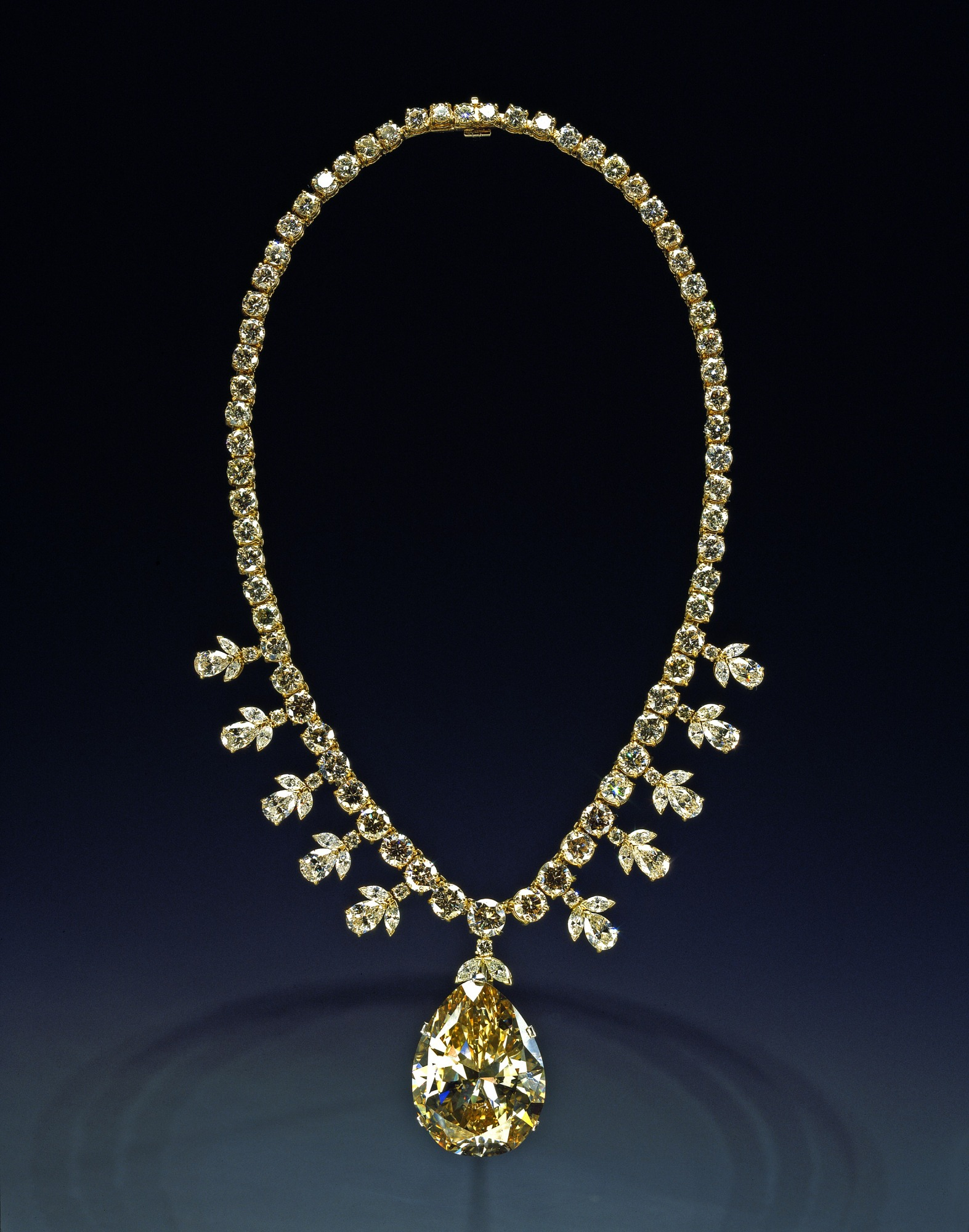 Victoria-Transvaal Diamond, by Unknown, 1997, Smithsonian Archives - History Div, 97-35715.
