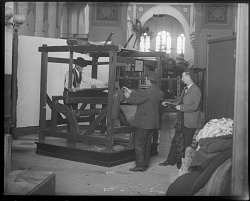 """""""Old Loom"""" Exhibit in the United States National Museum"""