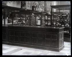 United States National Museum Ceramics Exhibit