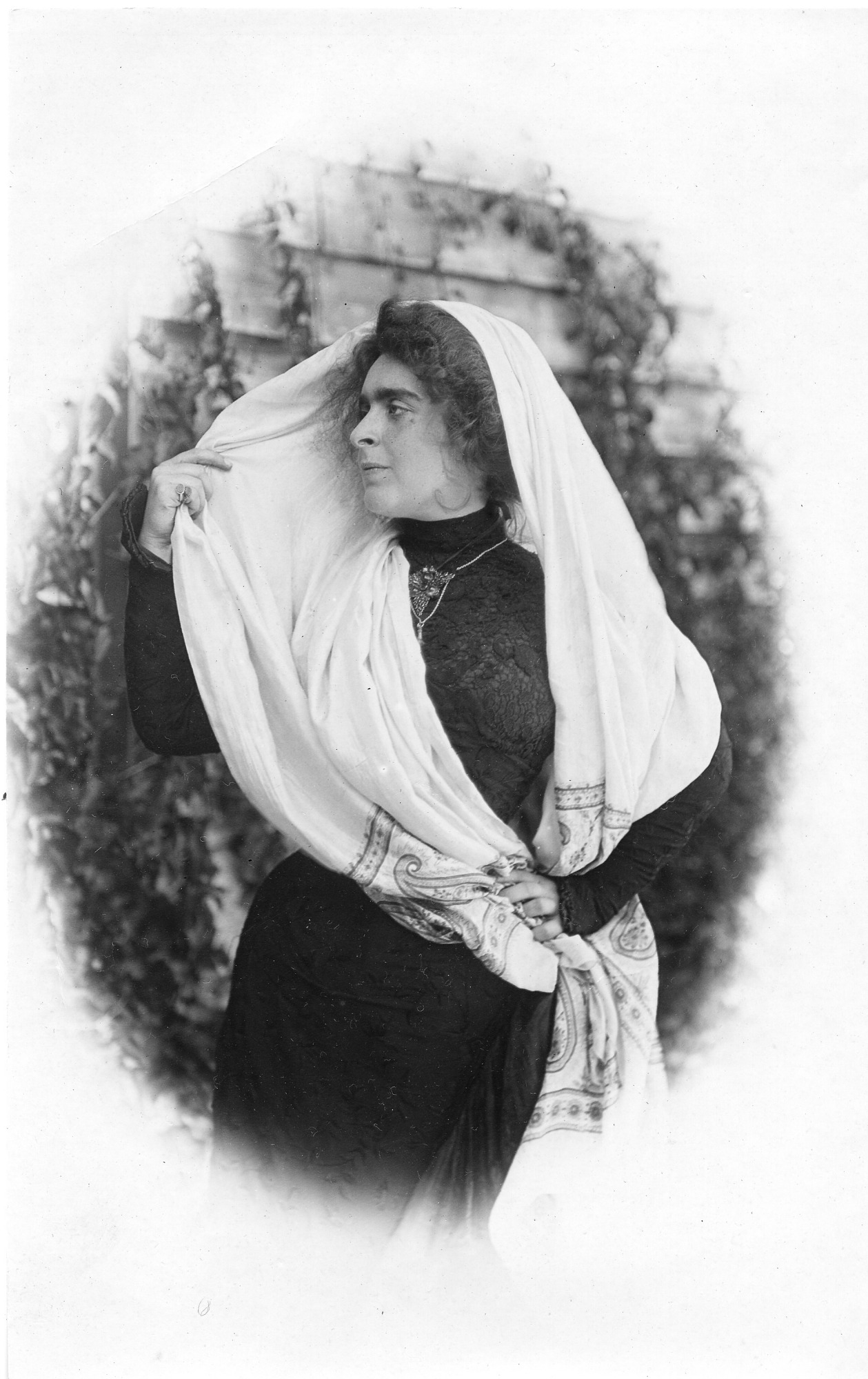 Laura Barney in Haifa, by Unknown, 1906, Smithsonian Archives - History Div, SIA2007-0151.