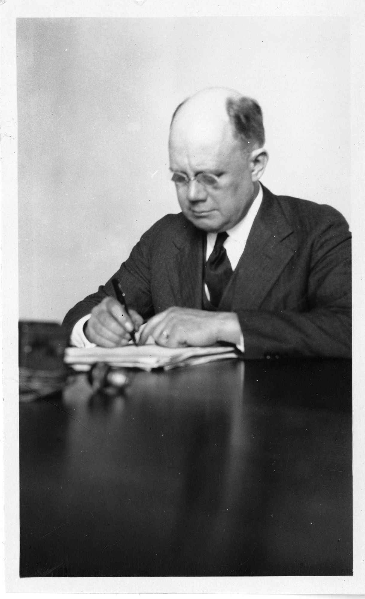 Paul Brockett (1872-1946), Smithsonian Institution Archives, SIA Acc. 90-105 [SIA2008-0039].