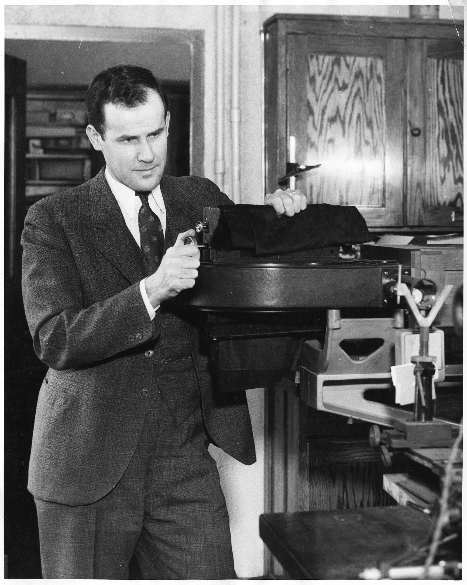 Wallace Reed Brode (1900-1974), Smithsonian Institution Archives, SIA Acc. 90-105 [SIA2008-0050].
