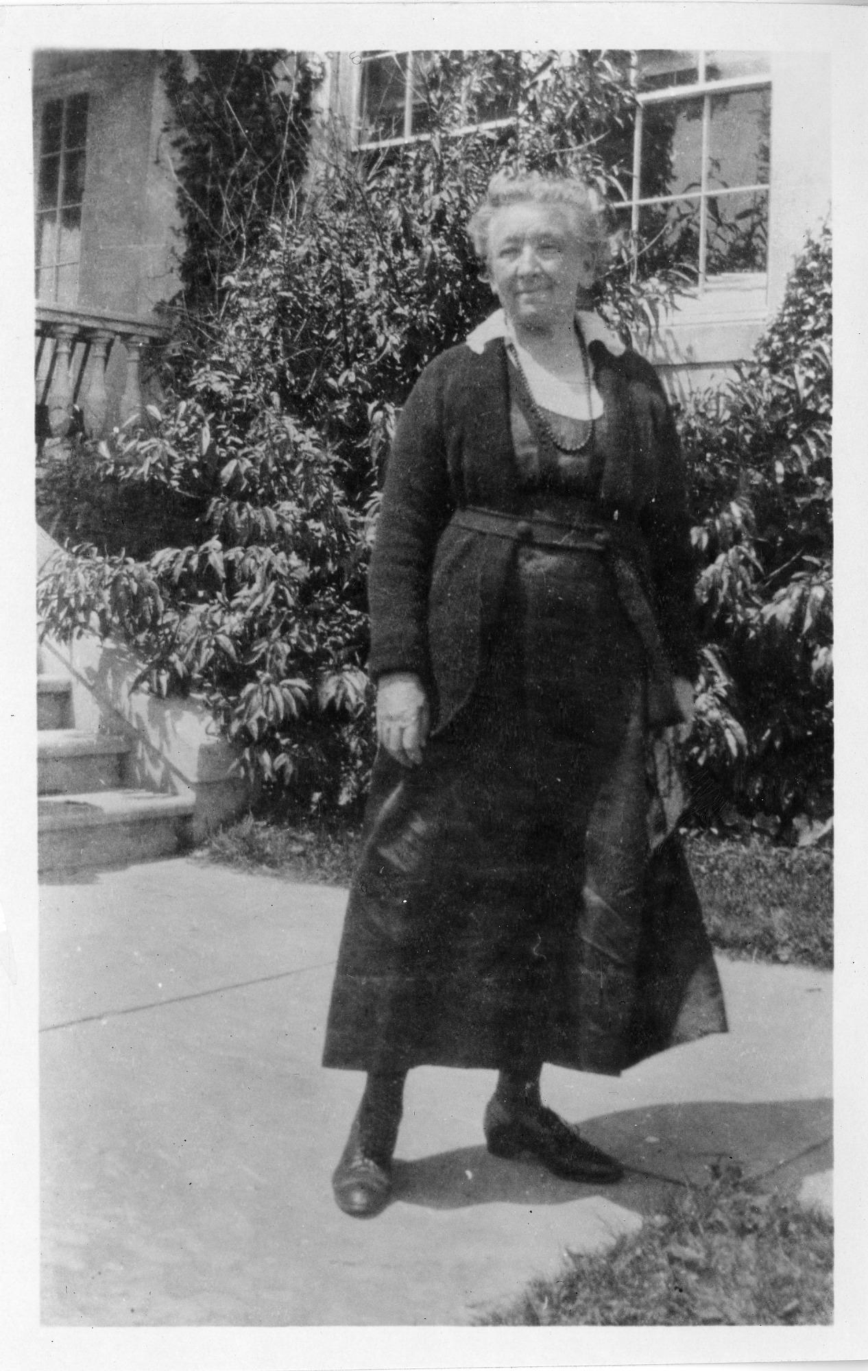 Cornelia Maria Clapp (1849-1934), Smithsonian Institution Archives, SIA Acc. 90-105 [SIA2008-0112].