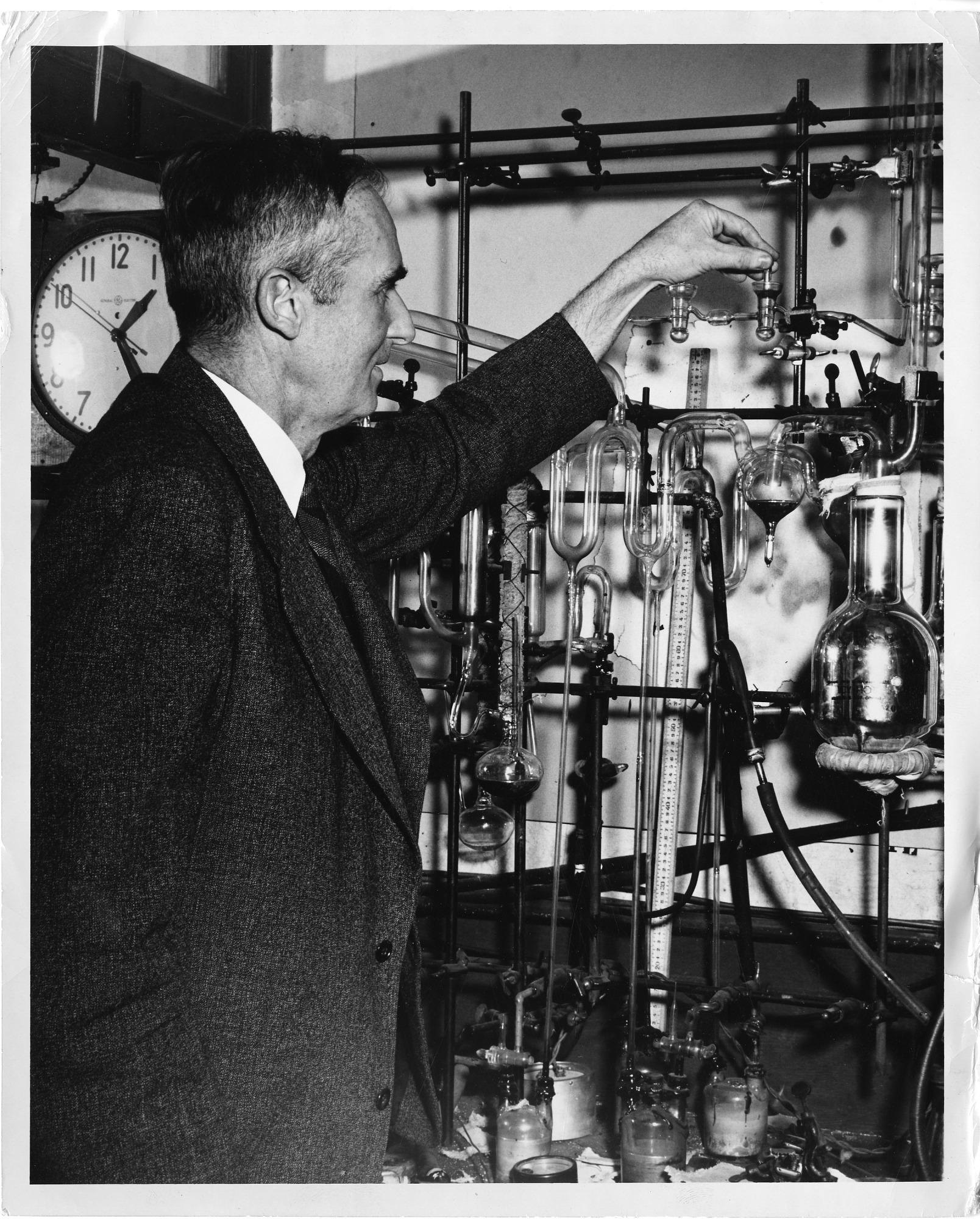 William Francis Giauque (1895-1982)