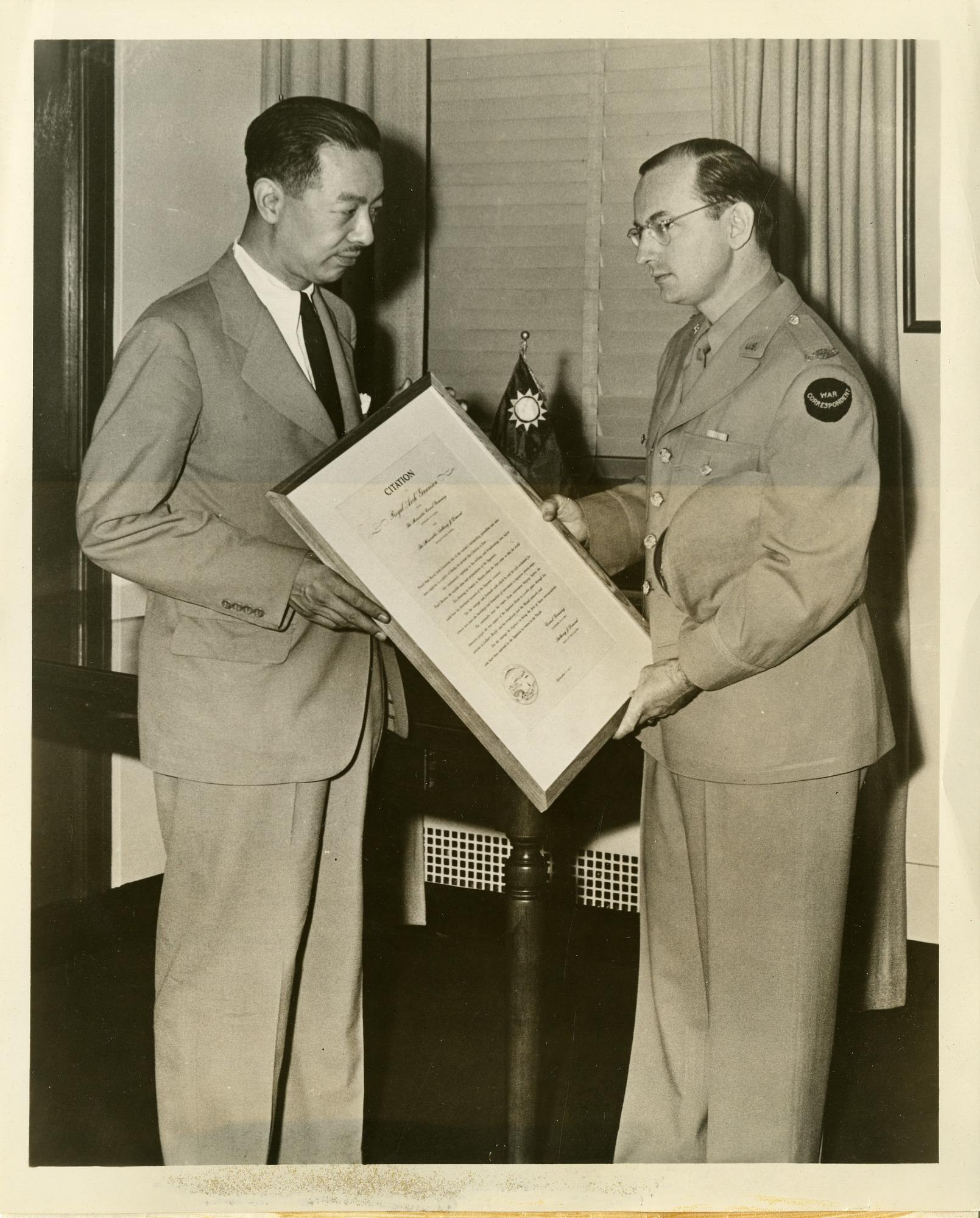 Dr. Tsuno-chi Yu (left) with Mutual Broadcasting System war correspondent Royal Arch Gunnison