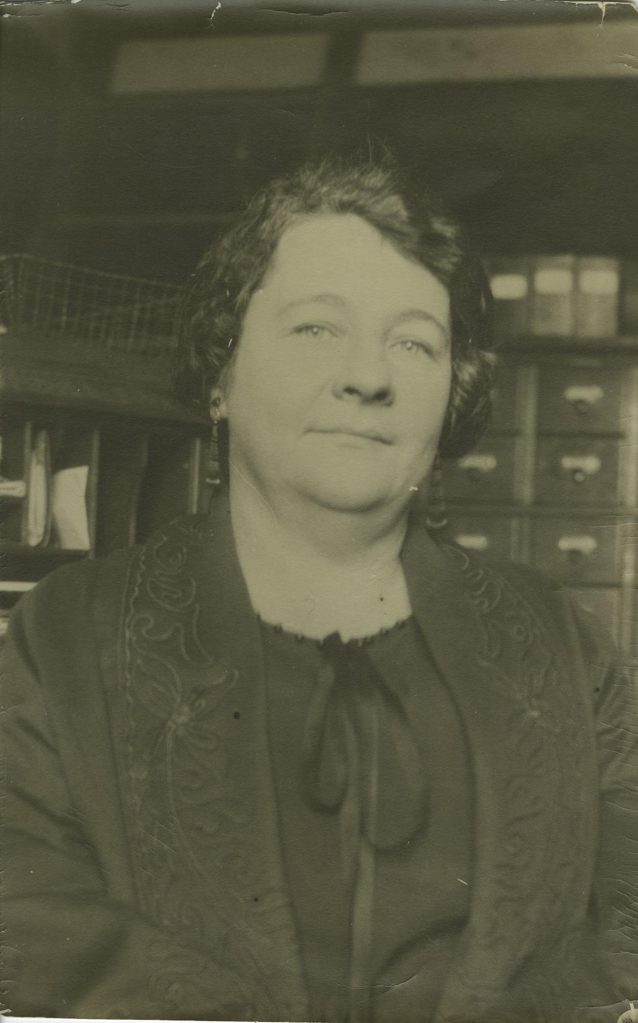 Helene F. Ziska (b. 1893), Smithsonian Institution Archives, SIA Acc. 90-105 [SIA2010-1644].