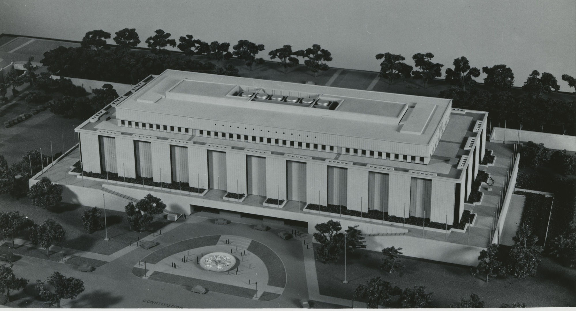 Museum of History and Technology Model, Exterior
