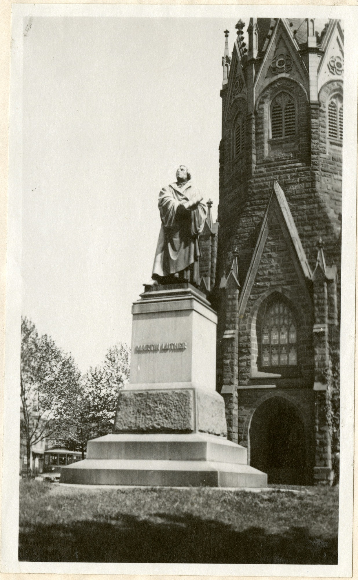 Statue of Martin Luther, 1919, Smithsonian Institution Archives, SIA RU007355 [SIA2010-2033].