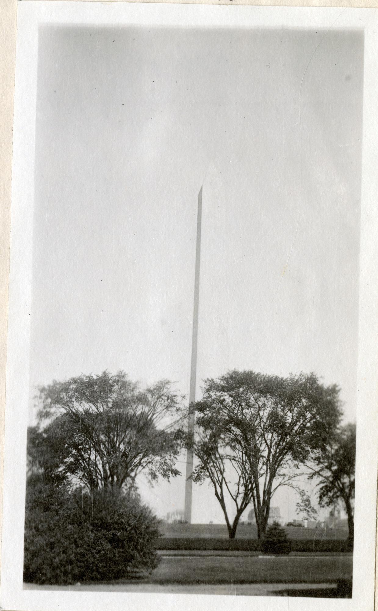 Washington Monument, 1919, Smithsonian Institution Archives, SIA RU007355 [SIA2010-2041].