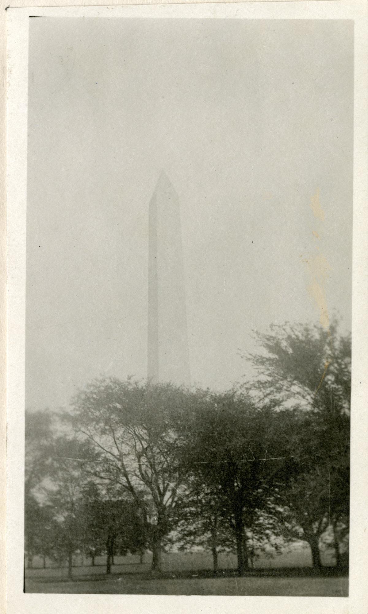 Washington Monument, 1919, Smithsonian Institution Archives, SIA RU007355 [SIA2010-2043].