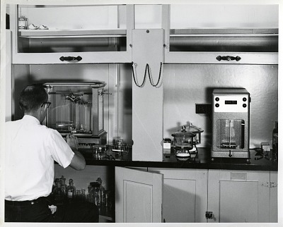 Roy Clarke Using a Microbalance