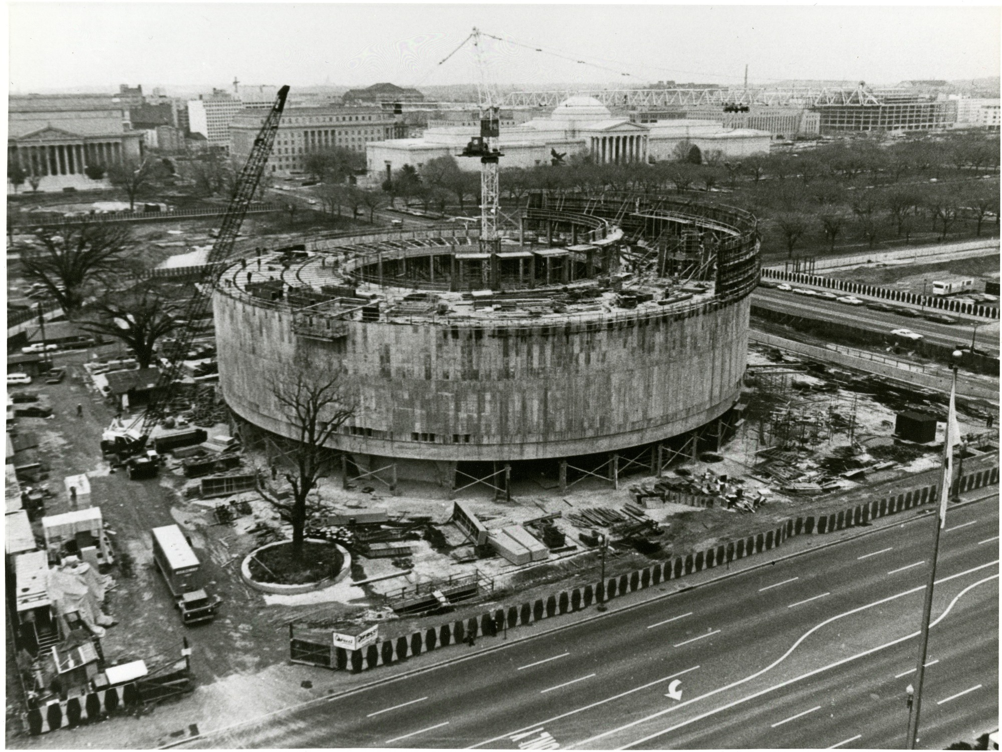 Construction of the Hirshhorn Museum