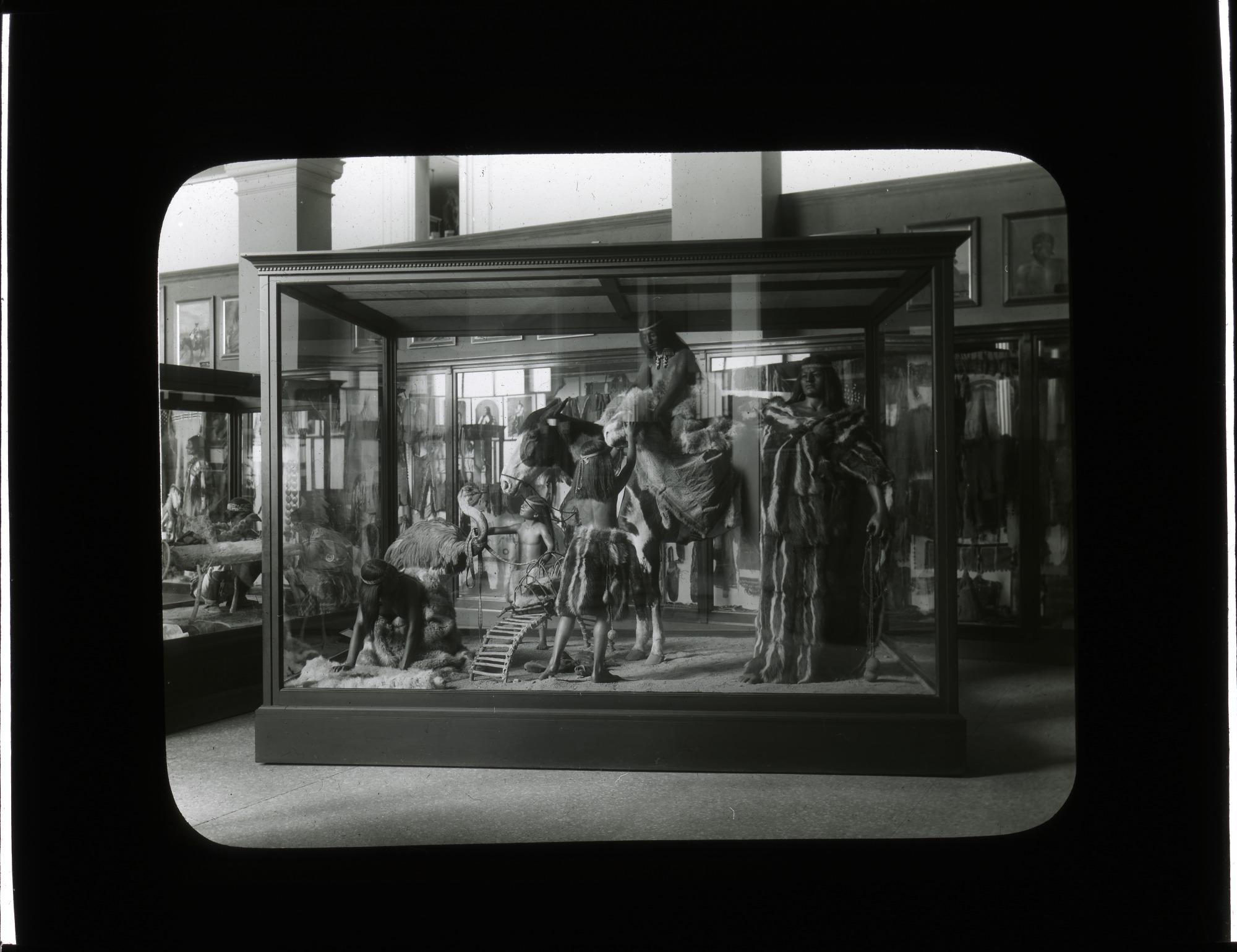 Anthropology Exhibit, 1910, Smithsonian Institution Archives, SIA Acc. 12-492 [SIA2012-2807].