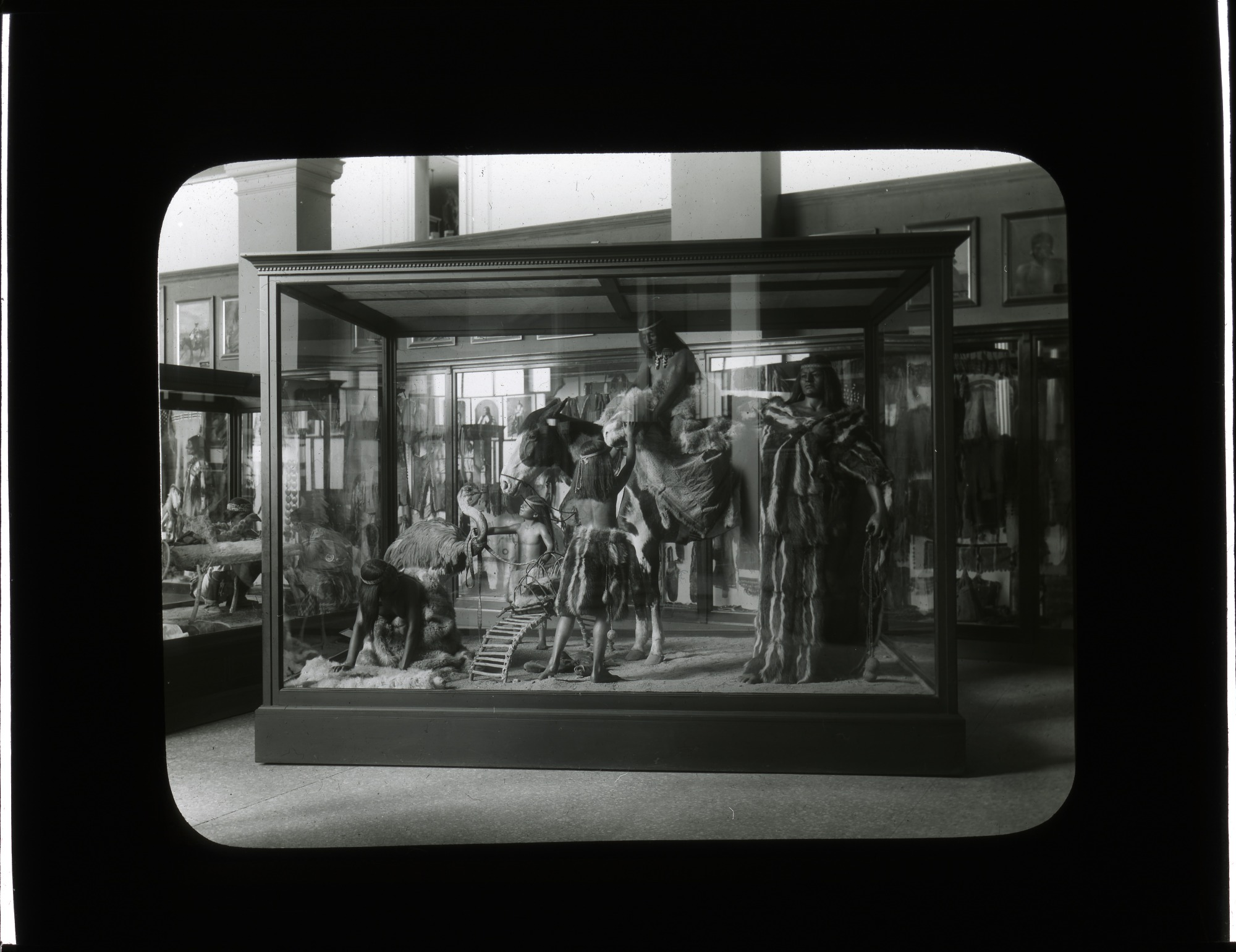 Anthropology Exhibit, 1910, Smithsonian Institution Archives, SIA Acc. 12-492 [SIA2012-2807].