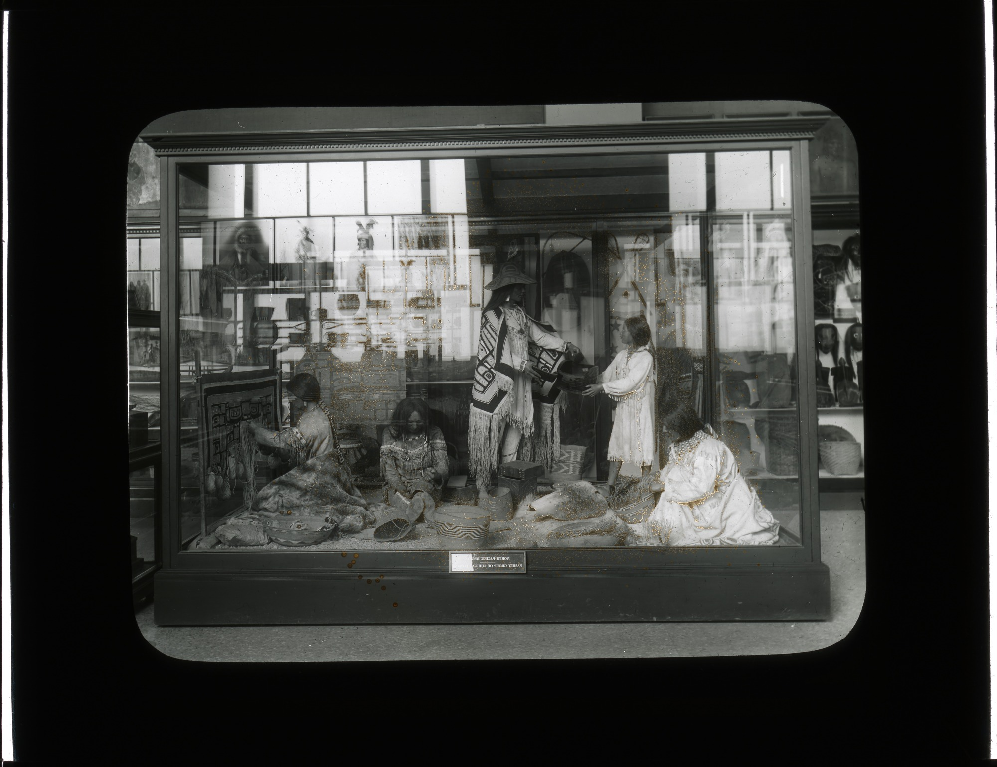 Anthropology Exhibit, 1910, Smithsonian Institution Archives, SIA Acc. 12-492 [SIA2012-2808].
