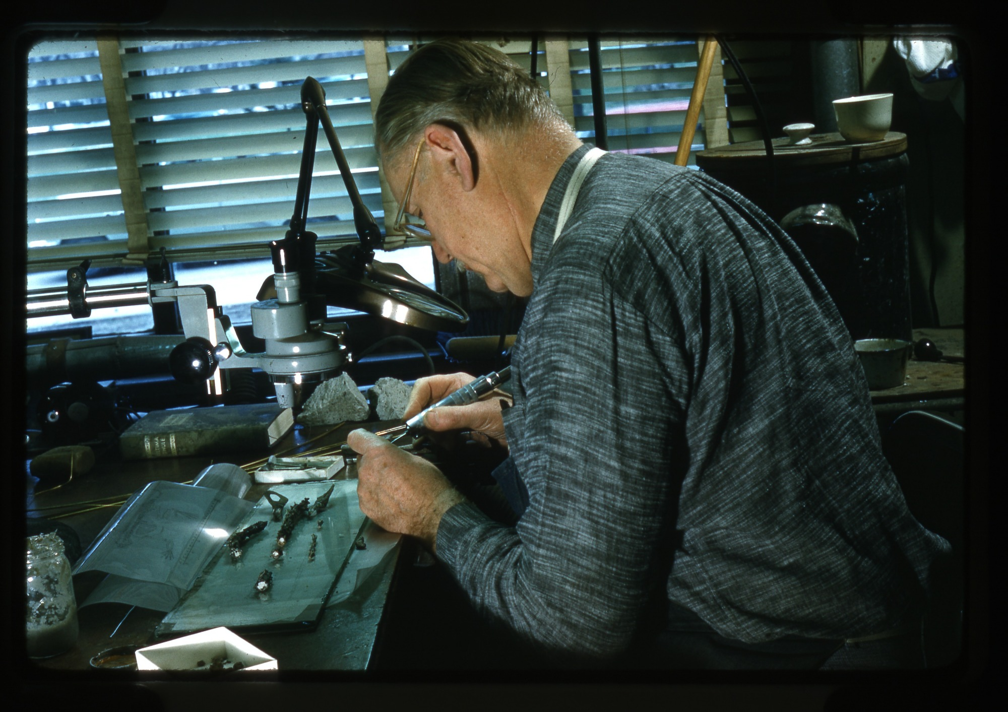 Nick Hotton Working, Undated, Smithsonian Institution Archives, SIA Acc. 00-084 [SIA2013-07650].