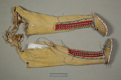 Woman's Cothing Set: Moccasin Leggings