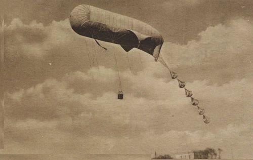 """""""Navy Observation balloon in flight, Pensacola, Fl."""""""