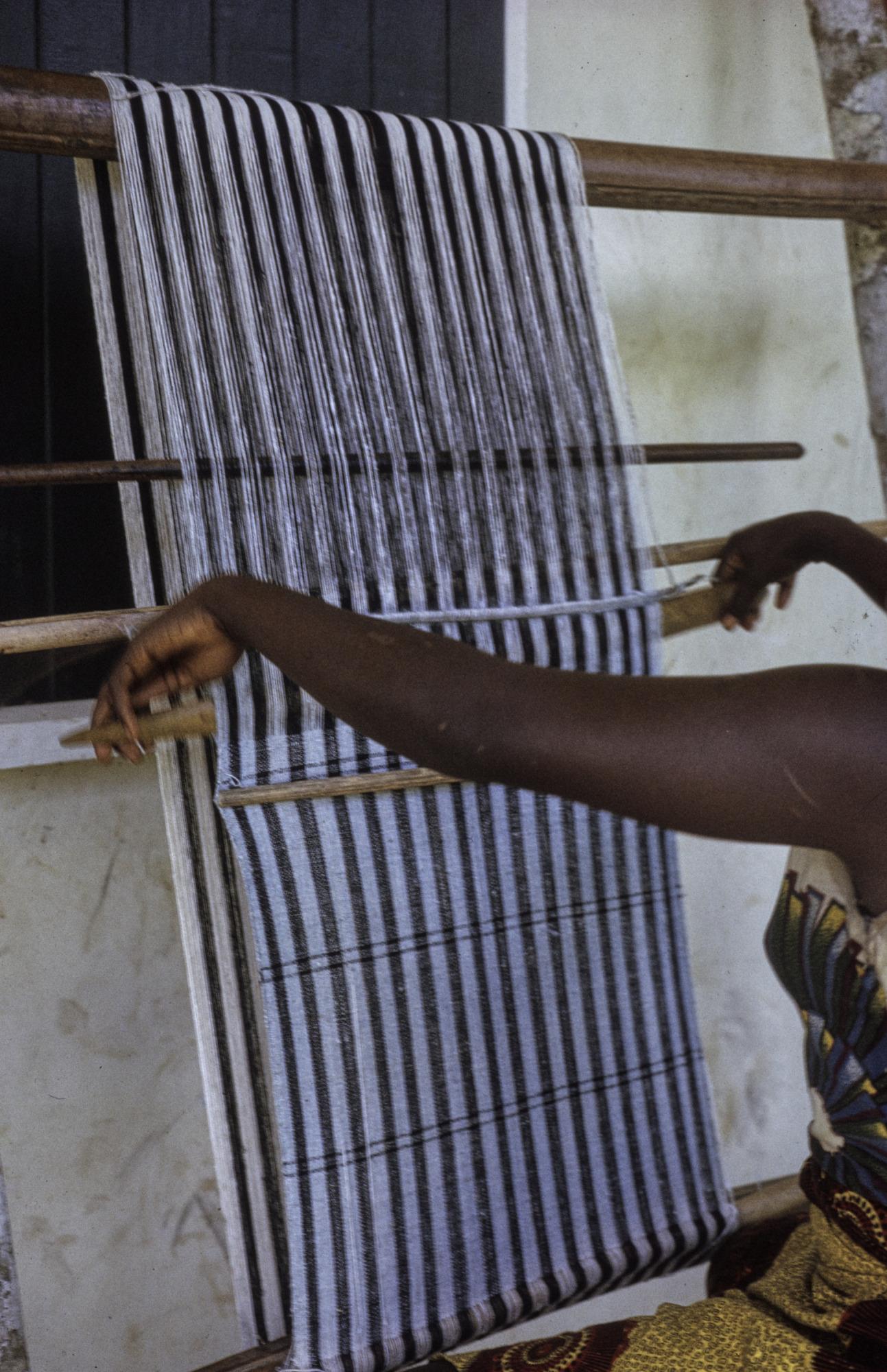 Women's weave