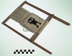 Loom model and unfinished weaving