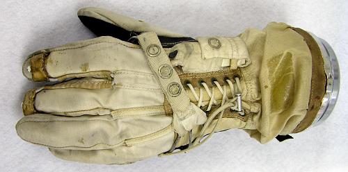 Glove, Left, G4-C, Intravehicular, Gemini 4, McDivitt, Flown