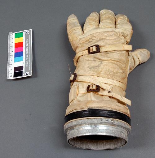 Glove, Left, G4-C, Extravehicular, Gemini IV, McDivitt, Flown