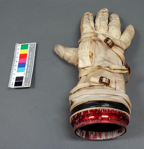 Glove, Right, G-4-C, Extra-vehicular, Gemini IV, McDivitt, Flown