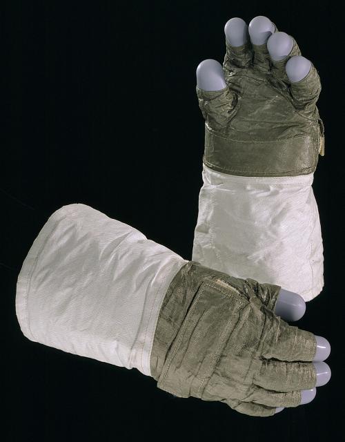 Glove, Right, A7-L, Apollo 12, Bean, Back-up